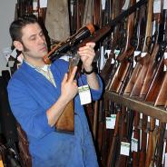 Waffen und Munition